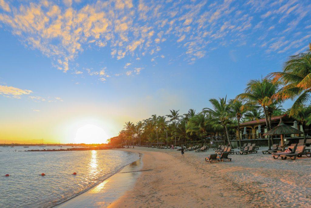 Mauricia Beachcomber Resort & Spa Grand Baie Mauritius Sunset onbeach