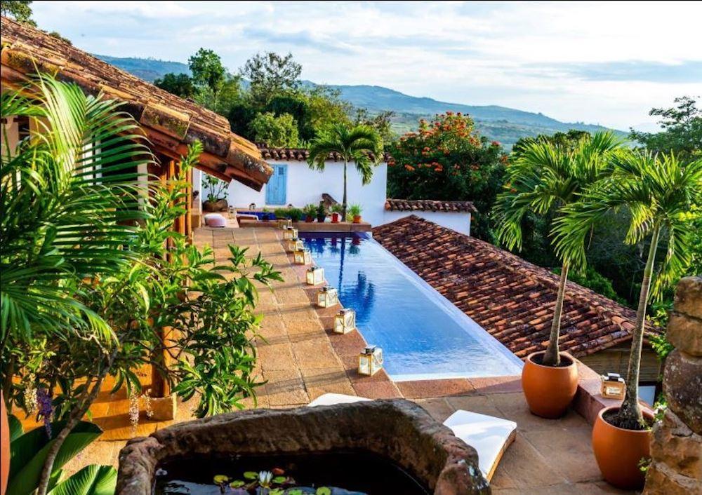 Colombia - Barichara - 1558 - Casa Yahri pool