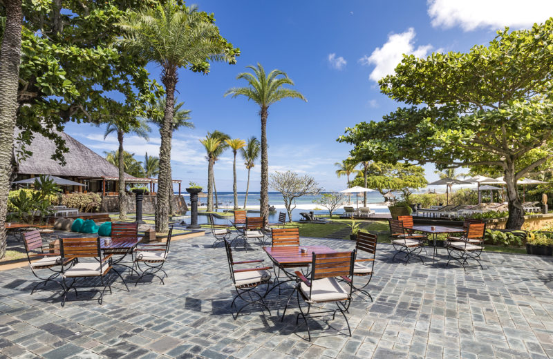Mauritius - South Coast - 3996 - Shanti Maurice Resort & Spa beachfront suite red ginger bar