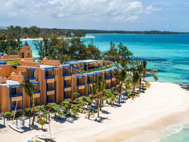 Mauritius - East Coast - 3996 - Bang on the Beach