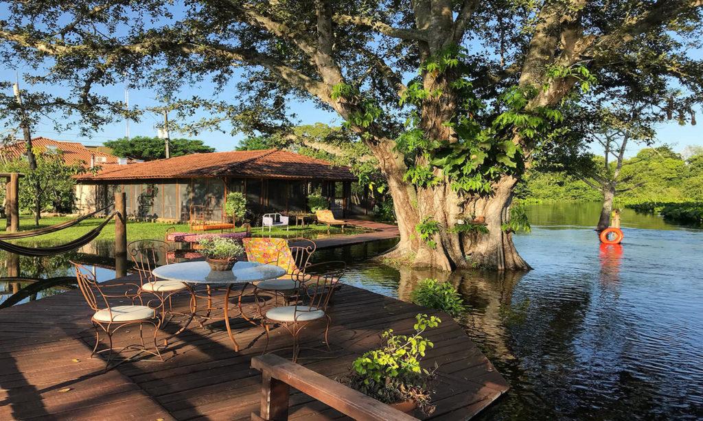 Brazil - Miranda - 1569 - Refugio da Ilha Waterside Decking Relax