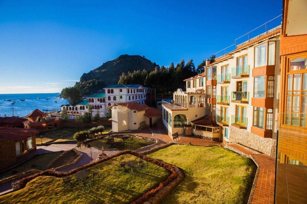 Bolivia - Copacabana - 1561 - Garden in front of Hotel