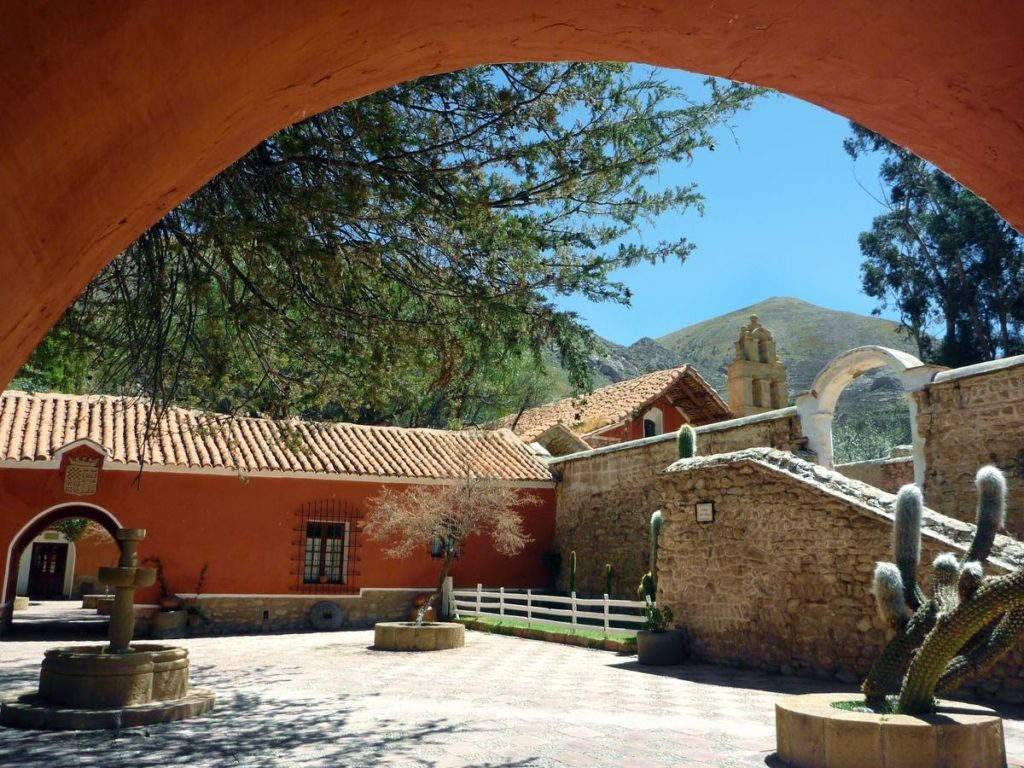 Bolivia - Potosi - 1561 - Museo Cayara Exterior