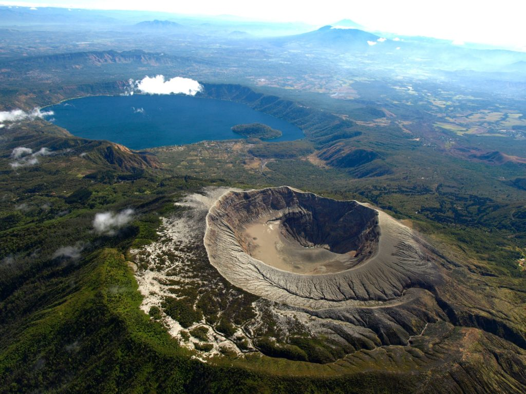 Highlights of El Salvador - 10024 - Volcano from above