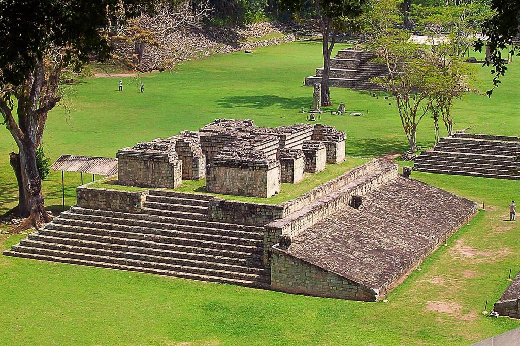 Honduras Highlights - 10024 - Copan Ruinas - Momuments
