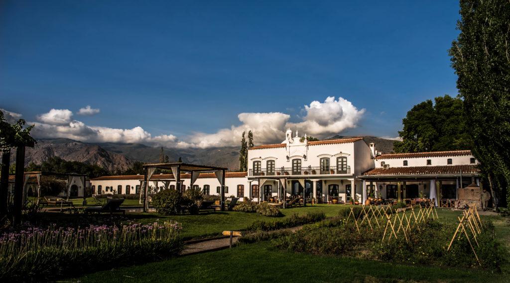 Argentina - NOA Cafayate - 1584 - Patios de Cafayate garden