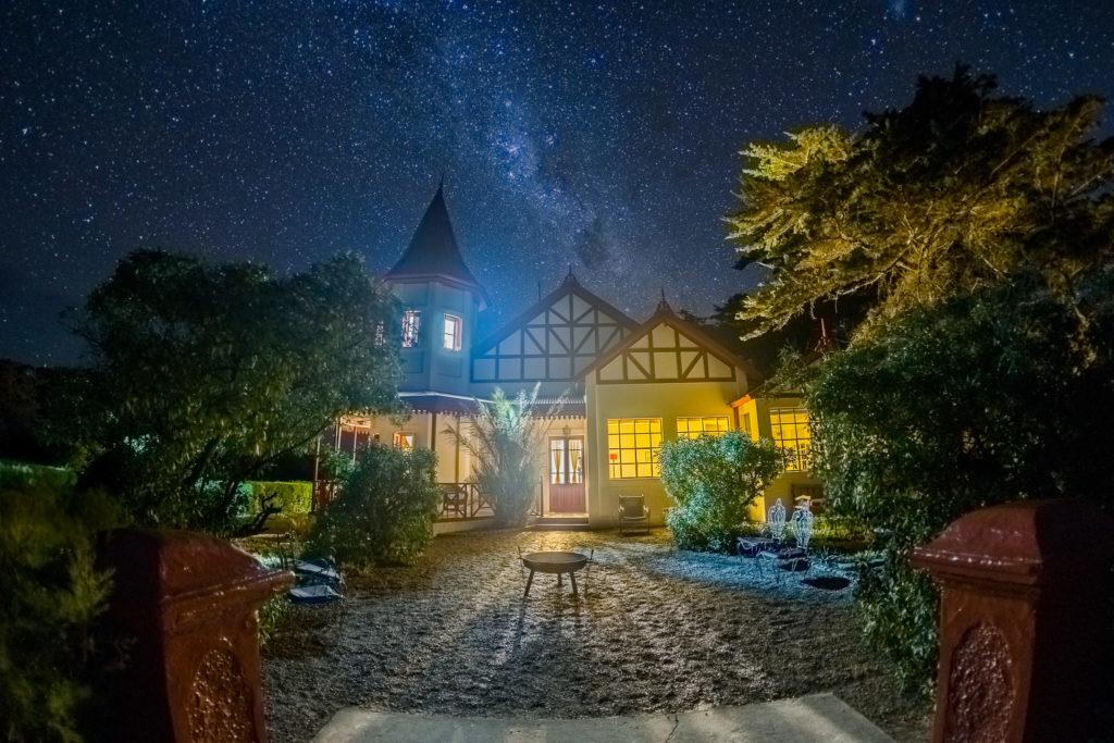 Argentina - Península Valdés- 1584 - Villa at night