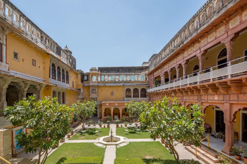 India - Rajasthan - 1556 - Chanoud Garh - Exterior
