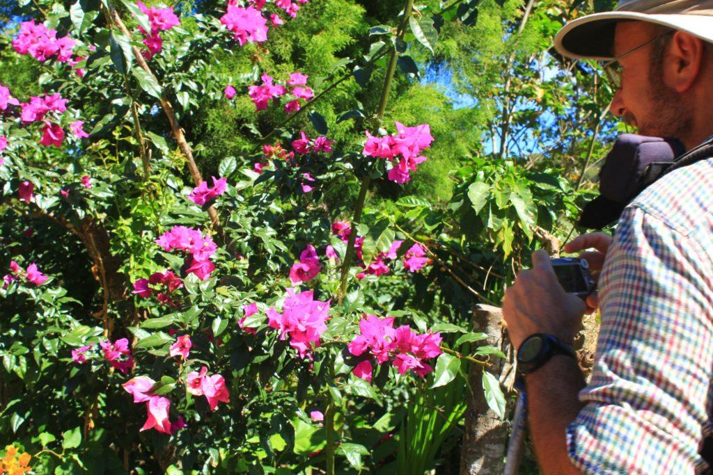 Essential El Salvador - 10024 - Ruta de las Flores - Taking photos