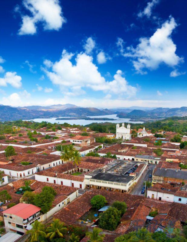 Essential El Salvador - 10024 - Suchitoto - Views of the city