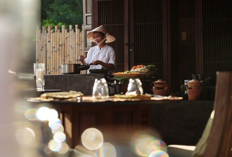 Vietnam - Con Dao - 16103 - Restaurant