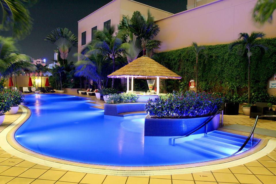 Caravelle Pool