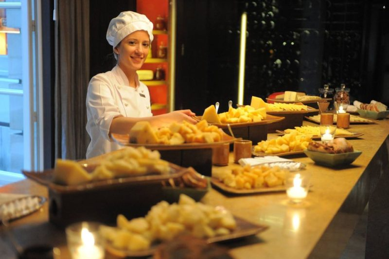 Exclusive Luxury Argentina - 1584 - Cheese & Wine Tasting - Palacio Duhau Park Hyatt Buenos Aires - Chef with Food