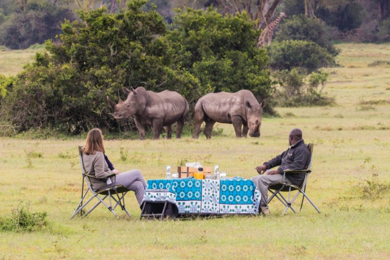 Kenya - 12890 - Solio - Laikipia - Drinks watching Rhino