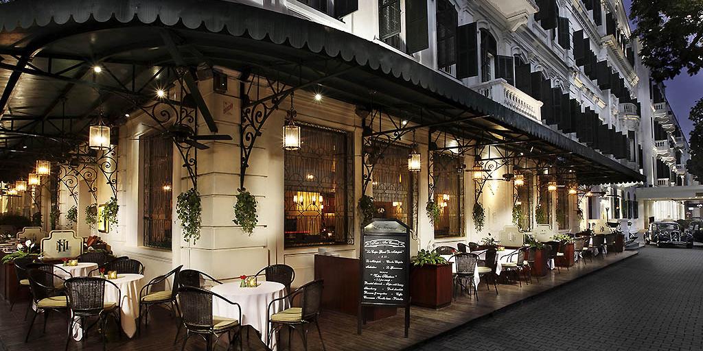 Vietnam - Hanoi - 16103 - Roadside Restaurant