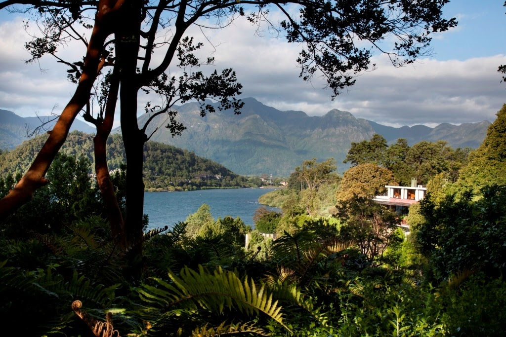 Chile - Pucon - 1560 - Hotel Antumalal Exterior Jungle Mountain