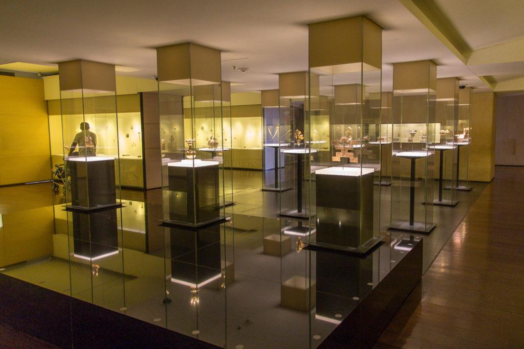 Colombia - 1558 - Bogota Gold Museum Interior