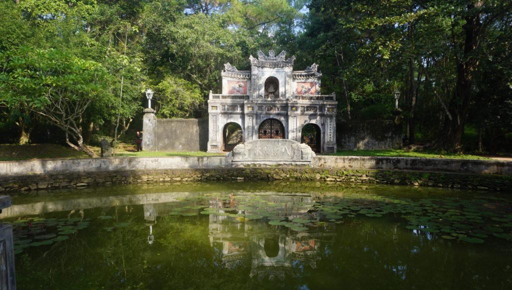 Hue - Vietnam - 16103 - Tu Hieu Pagoda - Exterior of temple