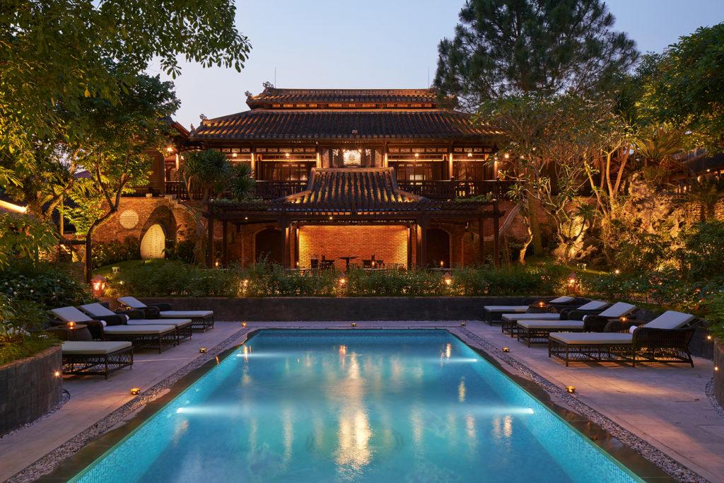 Hue - Vietnam - 16103 - Ancient Hue Garden