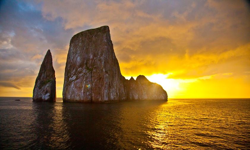 Ecuador - 1557 - Ecuador Galapagos Honeymoon - San Cristobal Kicker Rock