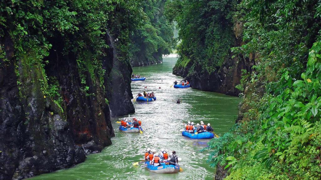 Costa Rica Tortuguero and Rainforest - 10024 - Pacuare Rio River Rafting Experience