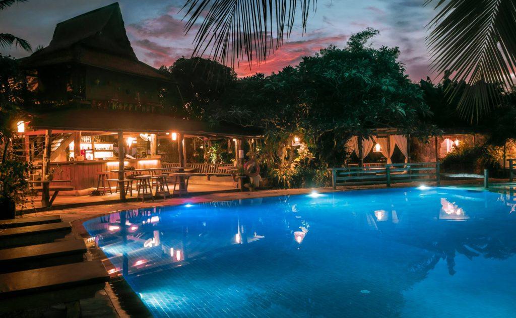 Cambodia - Krong Kaeb - 18260 - Pool View