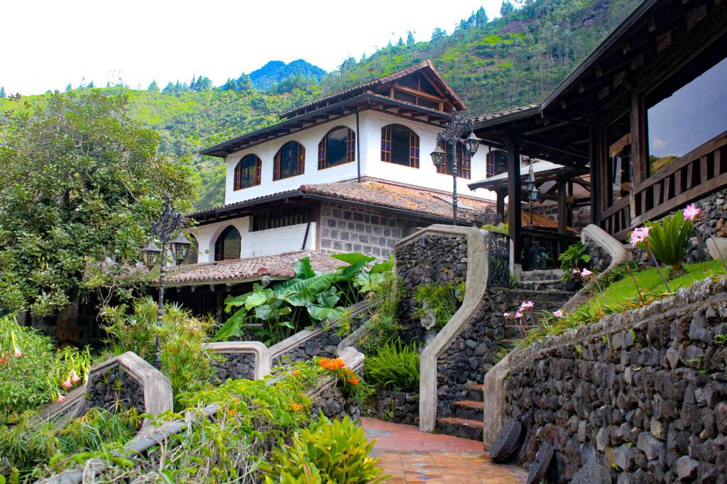 Ecuador - Banos - 1557 - Hotel Samari Spa - Exterior Garden