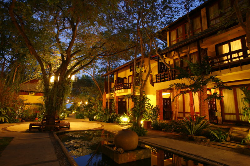 Thailand - 18264 - Hua Hin - Front of Hotel
