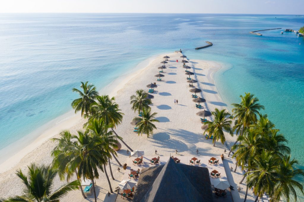 Maldives - North Ari Atoll - 1567 - Veligandu Island Resort - Sun loungers beach point