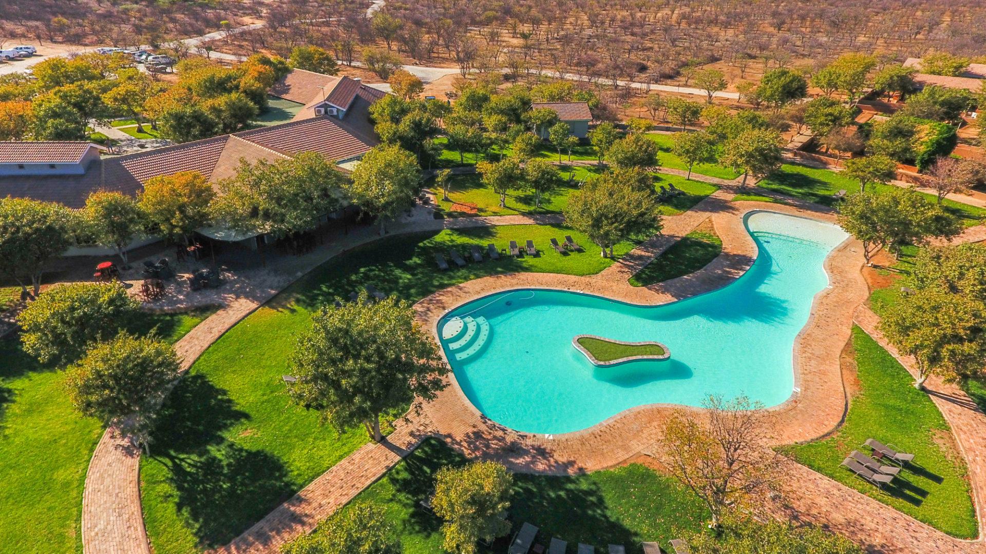 Namibia - 1552 - Damaland - Damara Mopani Lodge - Swimming Pool