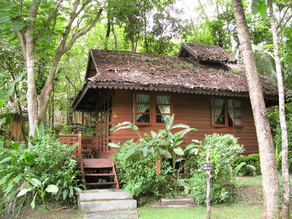 Thailand - Mae Hong Son - 18264 - Lodge Exterior