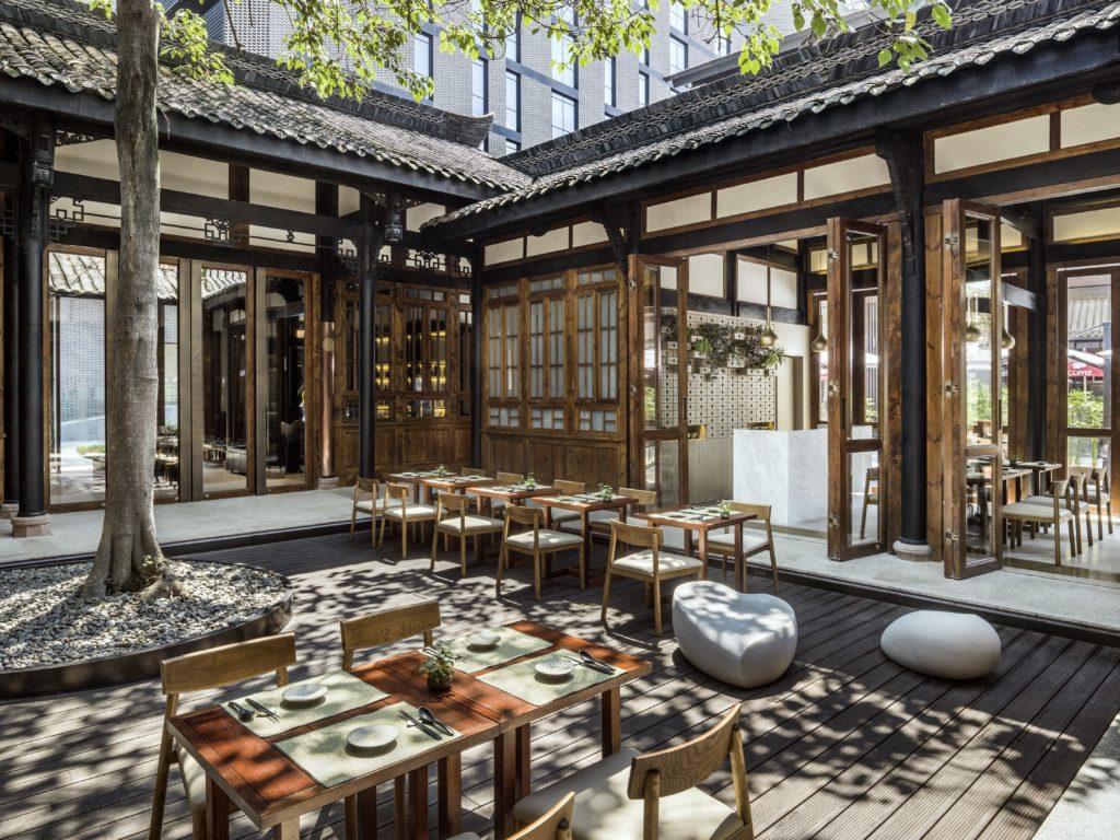 China - Chengdu - 18262 - The Temple House tea courtyard