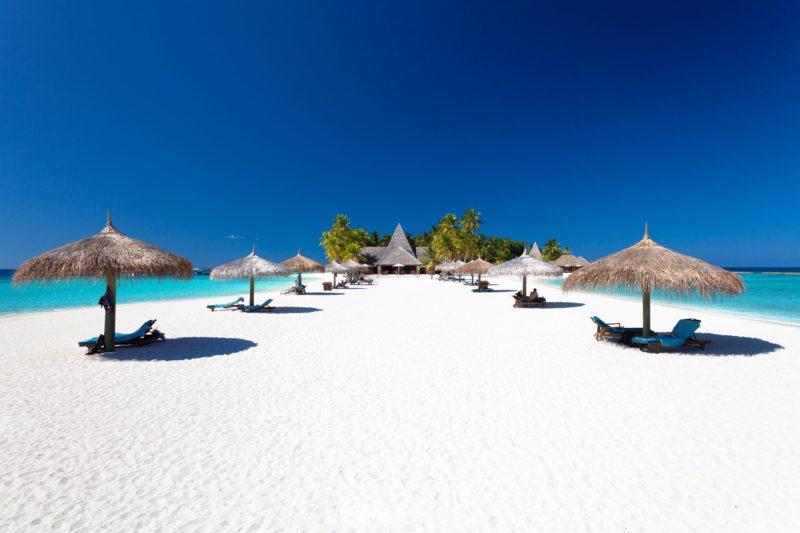 Maldives - North Ari Atoll - 1567 - Veligandu Island Resort - Beach escape loungers