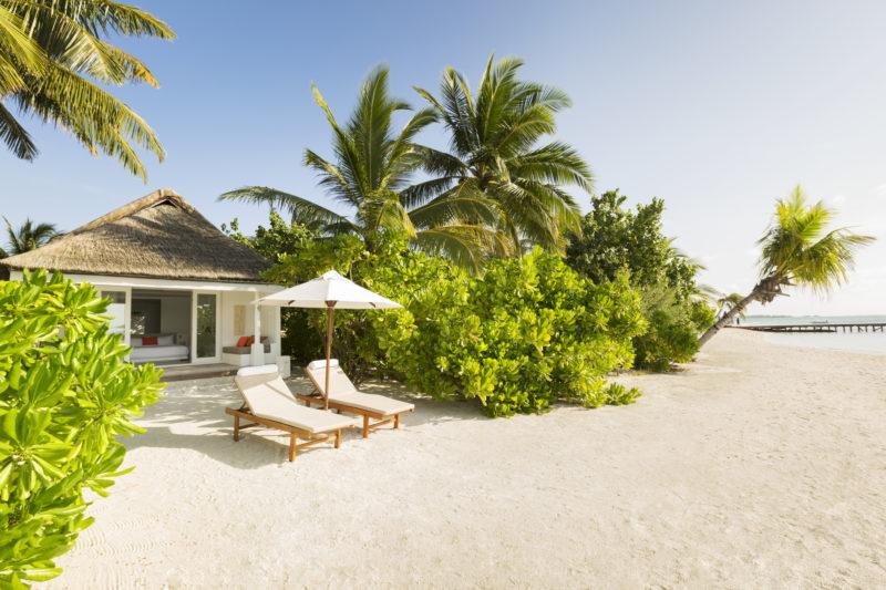 Maldives - South Ari Atoll - 1567 - Lux* South Ari Atoll - Beach Villa - Beachfront and loungers