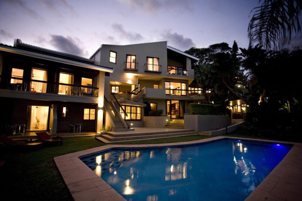 South Africa - Umhlanga - Teremok Marine Lodge - Swimming pool and gardens