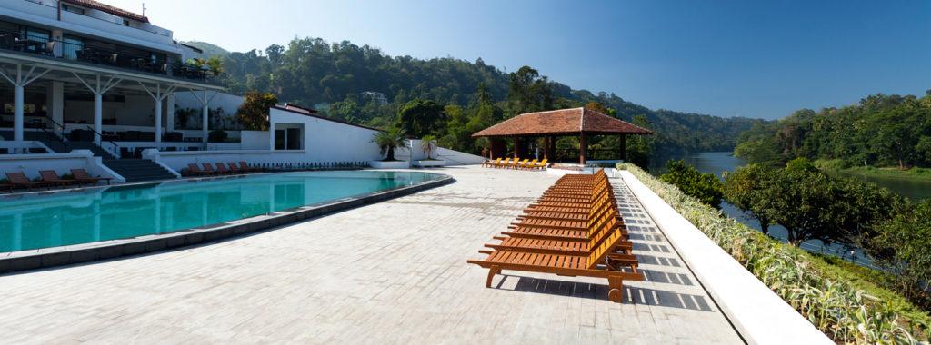 Sri Lanka - Kandy - 1554 - Cinnamon Citadel pool and seating