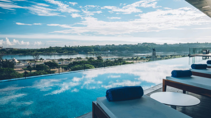Cuba - Havana - Havana Iberostar Hotel Grand Packard pool