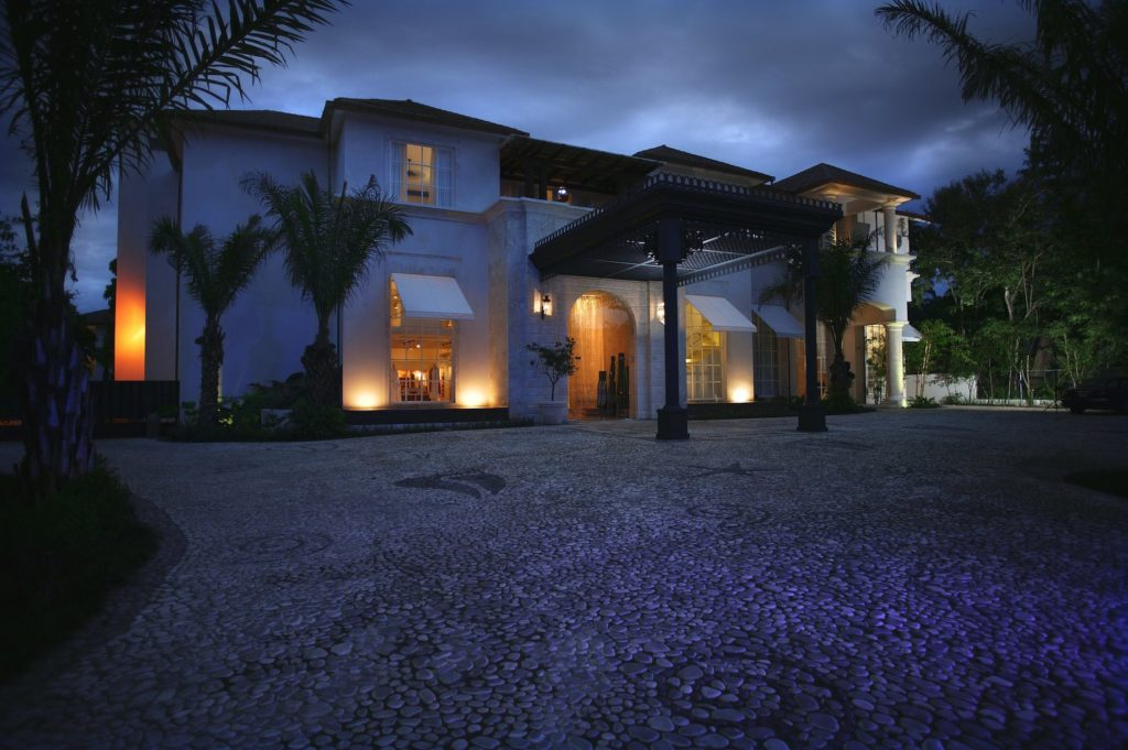 Dominican Rep - Puerto Plata - 1566 - Casa Colonial Beach & Spa at night