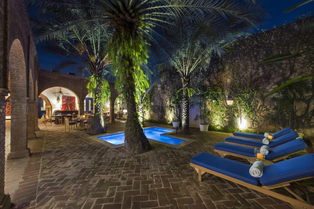 Dominican Rep - Santo Domingo - 1566 - Casas del XVI pool