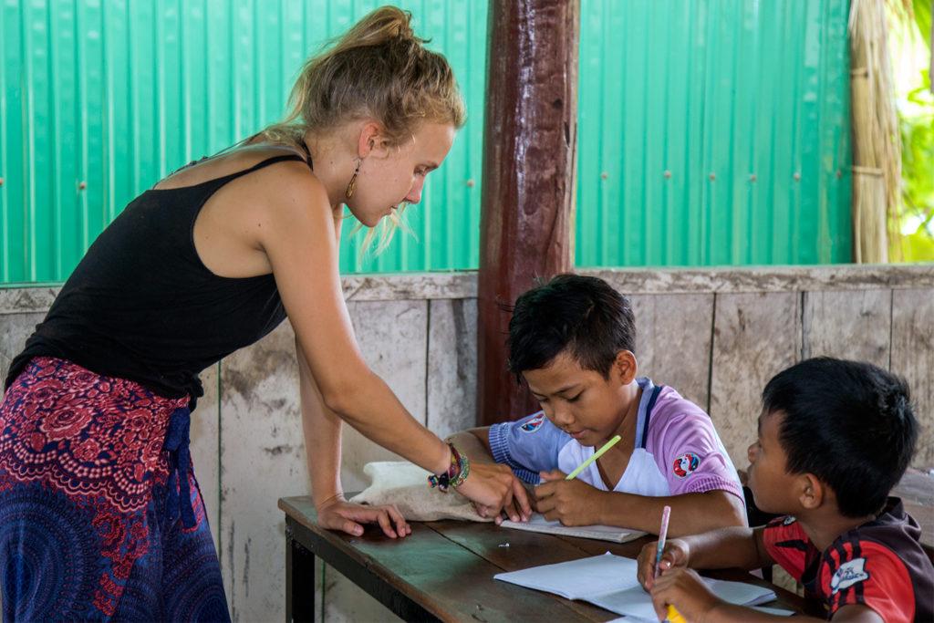 Teaching Volunteer Project in Cambodia