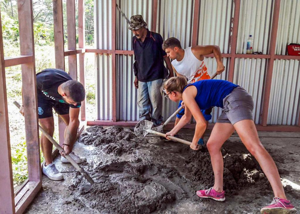Volunteer Building Project in Fiji