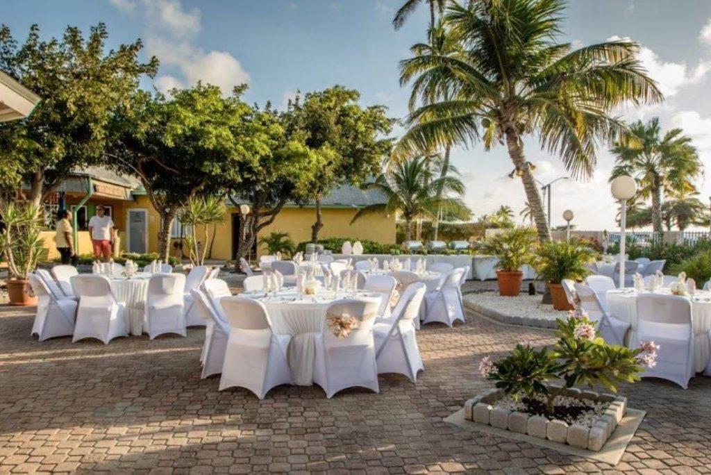 Aruba - Oranjestad - MVC Eagle Beach dining