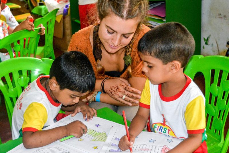 Teach Kids in Sri Lanka