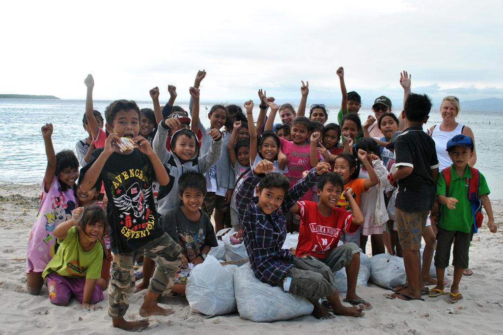 School Kids on a Turtle Conservation Programme