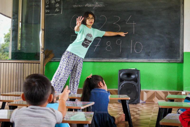Teach Kids Numbers in Laos