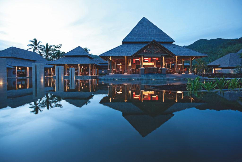 Seychelles - Mahe island - 1554 - Constance Ephelia Resort at night