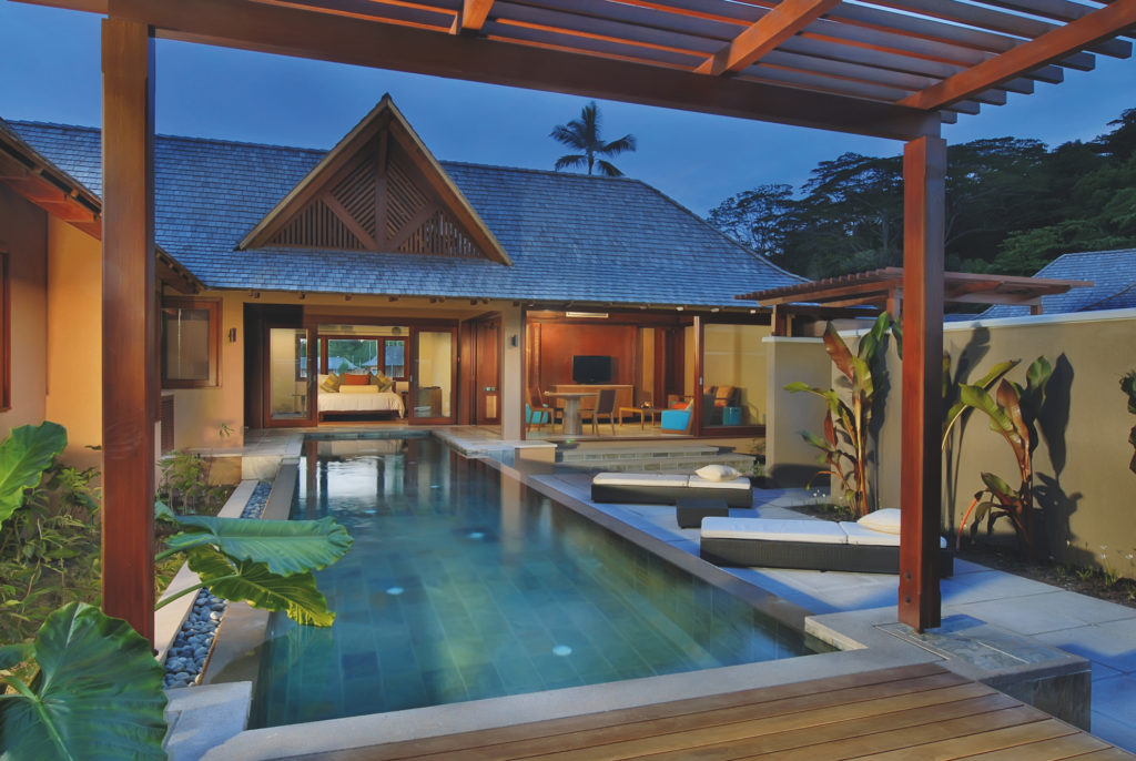 Seychelles - Mahe island - 1554 - Constance Ephelia Resort plunge pool