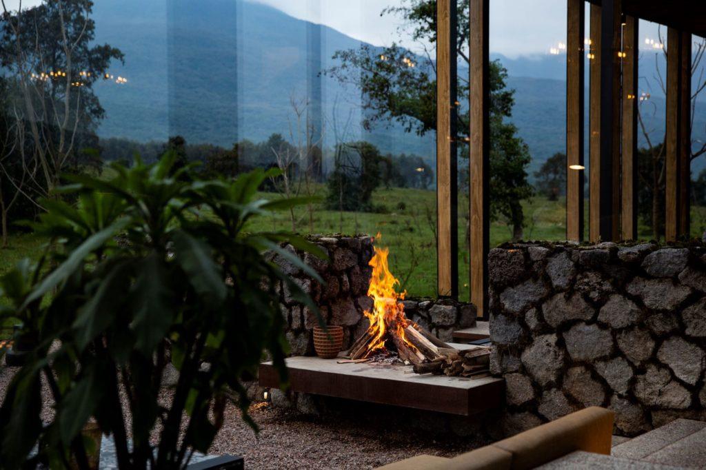 Rwanda - Volcanoes National Park - 1568 - Singita Kwitonda Lodge fire pit