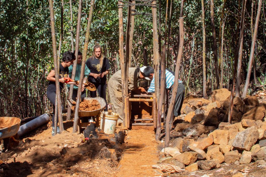 Volunteer Building Project in Peru
