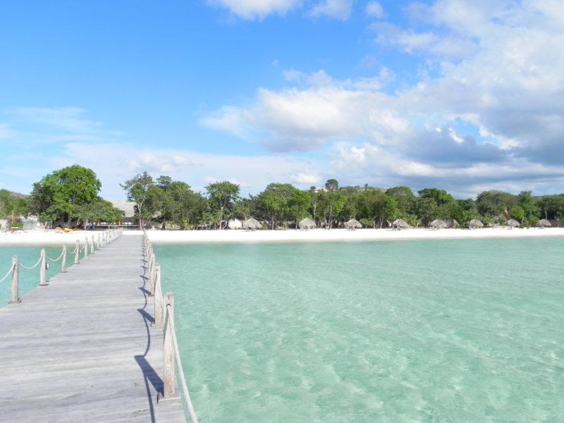 Dominican Rep - Punta Rucia - 1566 - Punta Rucia Lodge walkway